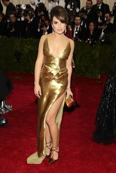 See photos of celebrities showcasing the sexiest looks at the Metropolitan Museum of Art's 2014 Costume Institute Benefit gala, celebrating 'Charles James: Beyond Fashion,' in New York on May 2014 - includes Idina Menzel, Benedict Cumberbatch. Lea Michele, Celebrity Red Carpet, Celebrity Photos, Celebrity News, Satin Dresses, Formal Dresses, Anna Wintour, Costume Institute, Red Carpet Looks