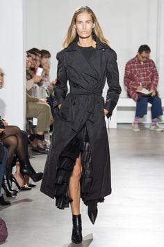Olivier Theyskens Spring 2018 Ready-to-Wear  Fashion Show