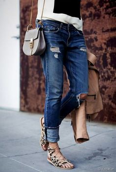 LOVE those sandals Casual & Chic Outfit - Lace up Sandals Denim Look, Distressed Denim, Denim Skirt, Style Désinvolte Chic, Mode Style, Style Me, Chic Chic, Casual Chic, Summer Styles