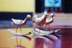 tutorial: DIY rocking plastic animals