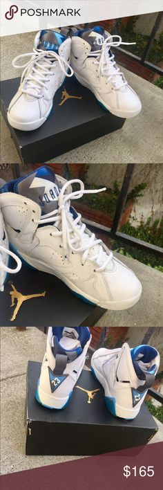 """Air Jordan Retro 7 """"French Blue"""" Normal wear & scuff on sole(bottom) of shoe. A few minuscule scuff marks on toe that can easily be removed(Mr. Clean Magic Eraser, etc.) **Size 5Y**  **FITS A WOMENS SIZE 7**  This shoe was purchased January 2015, the Release date for this shoe was January 24,2015. This shoe has been worn but no defects, rips, holes, stains, etc. The original Price & price it was purchased for was $190.00. Great Condition. Original Box & liner paper. ***AUTHENTIC…"""