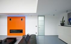 Design glasdeur op maat van Anyway Doors. Het moderne design en de technische meerwaarde van deze glazen deuren maakt het een ideale Eye-catcher in uw woonkamer!  Meer info: http://www.anywaydoors.be
