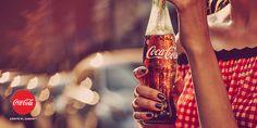 """¿Quieres disfrutar de los momentos más """"Coca-Cola"""" y tener un álbum cargado de sabor? Entra en nuestra galería de imágenes y #SienteElSabor http://spr.ly/6496B5AqY"""