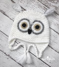 Snowy Owl Crochet Hat,All Things Crochet! Crochet Patterns, techniques, inspiration and more! Snowy Owl Crochet Hat There are images of the best DIY designs. Free Form Crochet, Easy Crochet Hat Patterns, Crochet Kids Hats, Crochet Beanie, Crochet Crafts, Crochet Projects, Crochet Animal Hats, Diy Crochet Owl Hat, Diy Crafts
