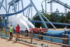 Here are 9 tips to maximize your visit to Busch Gardens in Williamsburg, Virginia including ticket discounts, tips to save money, line waiting and summer tips. Williamsburg Restaurants, Florida Theme Parks, Williamsburg Virginia, Amusement Park Rides, Beautiful Park, Sea World, Virginia Beach, Great Places, Things To Do