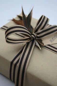 15 Ideas for Christmas Gift Wrapping