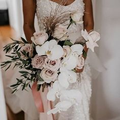 This bouquet is so gorgeous - orchids and blush pink roses sit beautifully together 💕 White Orchid Bouquet, Orchid Bouquet Wedding, Pink Bouquet, White Orchids, Bride Bouquets, Bridal Flowers, Floral Wedding, Bridesmaid Bouquet White, Purple Bouquets