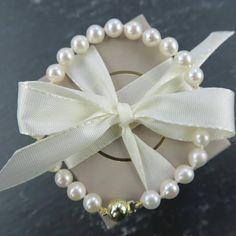 Perlen verleihen jedem Look einen klassischen Touch!