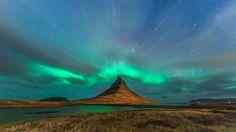 Bij het zien van deze 33 foto's krijgen we gek genoeg heimwee naar een land waar we nog nooit geweest zijn. IJsland is o zo mooi, vol met kolkende vulkanen, mythische watervallen, krakende gletsjers, oeroude bossen, ijzige bergen en diepe fjorden. Het is dan ook een walhalla voor fotografen die de rauwe, mystieke kracht van de Aarde en de natuur willen vastleggen.