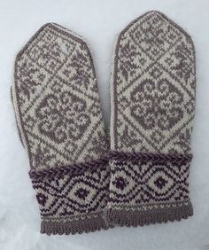 Ravelry: Klokkeblomst pattern by Gro Andersen Knit Mittens, Knitted Gloves, Knitting Projects, Knitting Patterns, Knit Or Crochet, Ravelry, Shawl, Diy And Crafts, Crafty