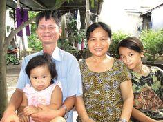 Bị gia đình bỏ rơi lúc nhỏ, một thời gian dài anh Nguyễn Hồng Tài được cô nhi viện Gò Vấp (Sài Gòn) cưu mang. Số phận càng nghiệt ngã khi anh bị tai nạn cây đâm vào mắt. Sống trong mù lòa, trải qua bao đắng cay, tủi nhục, anh vẫn vững niềm tin vào cuộc sống.  http://xoso.wap.vn/ket-qua-xo-so-mien-bac-xstd.html, http://kqxs247365.blogspot.com/,http://xosomoinhat.blogspot.com