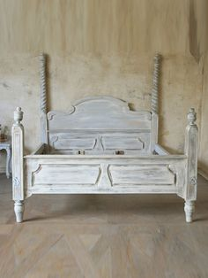 Want hand carved antique reproduction mahogany queen anne - Cool queen bed frames ...