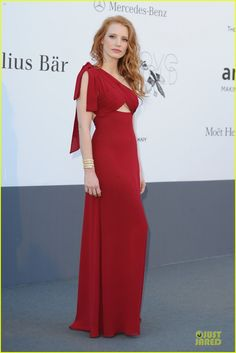 Jessica Chastain: amfARs Cannes Gala!   jessica chastain amfar cinema against aids at cannes 01 - Photo