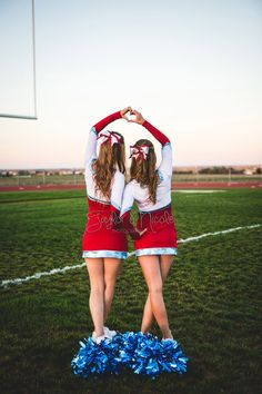 Senior Portrait / Photo / Picture Idea - Cheer / Cheerleader / Cheerleading - Friends