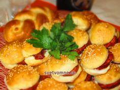 Výborná chuťovka vhodná na oslavy, záhradné party, silvestra či len tak na posedenie. Pretzel Bites, Food Art, Baked Potato, Sandwiches, Food And Drink, Potatoes, Bread, Baking, Ethnic Recipes