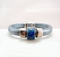 Licorice Leather Bracelet Regaliz Bracelet by TouchOfSilver Diy Leather Bracelet, Leather Jewelry, Beaded Jewelry, Handmade Jewelry, Man Bracelet, Bracelet Crafts, Simple Jewelry, Bracelet Sizes, Bracelets For Men