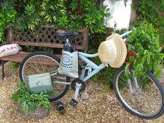 Bicicleta pintada con Chalky DecoArt Cuadrito con stencils y bolsa estarcida