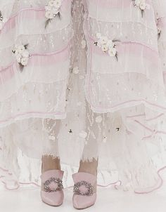 Romantic fairy pink ball gown and slippers. By Chanel Couture Pink Love, Pale Pink, Pretty In Pink, Pink White, Lilac, Perfect Pink, White Roses, Mauve, White Lace