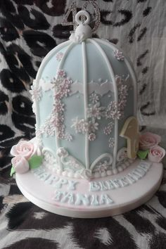 Birdcage cake - For all your cake decorating supplies, please visit craftcompany.co.uk