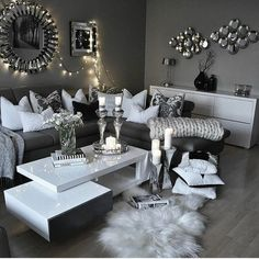 grey and silver living room decor Glam Living Room, Living Room Interior, Living Rooms, Home Living, Black And White Living Room Decor, Living Room Accessories, Living Room Designs, Decoration, Decor Ideas