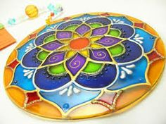 mandalas vitrales en cd - Buscar con Google Cd Crafts, Diy And Crafts, Arts And Crafts, Clay Projects, Projects To Try, Cd Project, Recycled Cds, Cd Diy, Cd Design