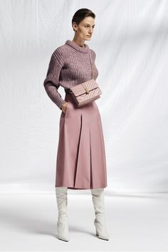 The BOSS Womenswear Prespring 2019 collection High Fashion Outfits, Chic Outfits, Womens Fashion, Fashion 2020, Fashion Trends, Elegant Outfit, Boss Lady, Autumn Winter Fashion, Fall Winter