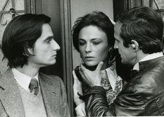 """La mostra su Truffaut a Parigi: Jean-Pierre Léaud, Jacqueline Bisset e François Truffaut sul set di """"Effetto Notte"""", nel 1973 - Il Post"""