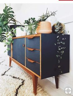 Mid Century Modern Apartment Decoration Ideas – Decorating Ideas - Home Decor Ideas and Tips - Page 3 Decor, Furniture Makeover, Painted Furniture, Mid Century Modern Furniture, Modern Furniture, Furniture, Home Decor, Modern Apartment Decor, Retro Home Decor