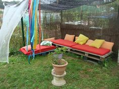 Sitting area made with pallettes at Llar d'infants Les Baldufes  ≈≈