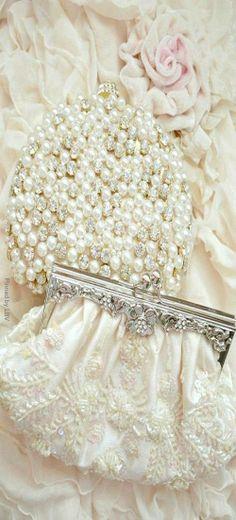 Bridal Clutches | LBV ♥✤