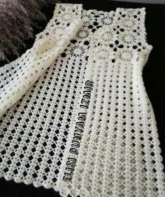 Curtidas, 44 Comentários - ❤Hiva N Gehäkelte - Diy Crafts - DIY & Crafts Crochet Vest Pattern, Crochet Jacket, Crochet Cardigan, Baby Knitting Patterns, Crochet Stitches, Knit Crochet, Crochet Patterns, Baby Cardigan, Booties Crochet