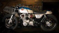 Suzuki GS 1100 Cafe Racer by Sur Les Chapeaux De Roues | #caferacer #suzuki #motorcycles | www.caferacerpasion.com