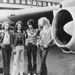 """Esta vez, usamos esta """"máquina"""" para viajar a 1973 y entrar al jet privado que usaban los chicos de Led Zeppelin"""