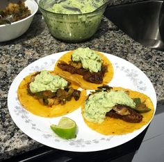 Flank Steak Tacos Recipe. How to make a delicious flank steak tacos recipe with avocado crema, cilantro and a chili lime rub for quick and easy weeknight dinners for taco Tuesday. Turkey Cheese Ball, Flank Steak Tacos, Hot Bacon Dressing, Avocado Crema, Easy Weeknight Dinners, Avocado Recipes, Roasted Sweet Potatoes, Chili Lime, Crockpot Recipes