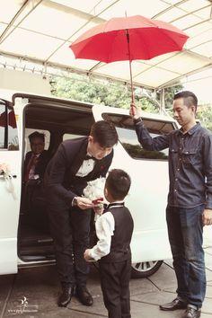 Indo Chinese Wedding Traditon Red Umbrella | PPF Photography | MyNewlywedNest.com