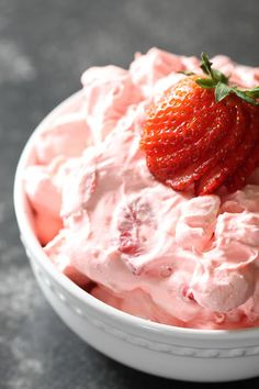 Strawberry Jello Fluff Salad – Six Sisters' Stuff Fluff Desserts, Cool Whip Desserts, Jello Recipes, Dessert Salads, Fruit Salad Recipes, Strawberry Desserts, Köstliche Desserts, Dessert Recipes, Strawberry Salads