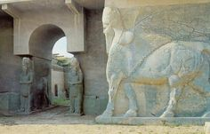 """L'Isis distrugge il sito archeologico di Nimrud: """"Ora abbatteremo le Piramidi"""" - IlGiornale.it"""