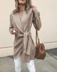 Solid Color V-Neck Casual Outerwear Sweater : Trajes de Moda Fashion Mode, Look Fashion, Winter Fashion, Womens Fashion, Trendy Fashion, Ladies Fashion, Feminine Fashion, Classic Fashion Looks, Classy Fashion