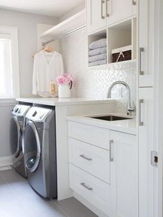 40 Outstanding Small Laundry Room Storage Design Ideas That Looks Awesome Room Remodeling, Closet Storage, Room Storage Diy, Bathrooms Remodel, White Laundry Rooms, Laundry Room Storage Shelves, Small Storage, Home Decor, Room Design
