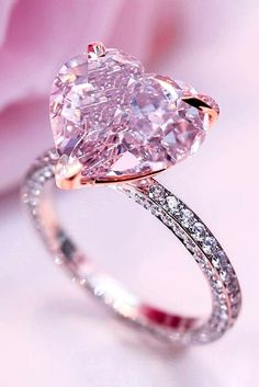 42 simple engagement rings for girls who love classic ❤ simple engagement rings rose gold Vintage Gold Engagement Rings, Rose Gold Engagement Ring, Solitaire Engagement, Solitaire Rings, Solitaire Diamond, Diamond Rings, Rosa Ring, Traditional Engagement Rings, Heart Shaped Rings