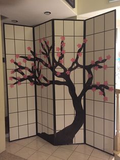 Magalie Sarnataro's props. Cherry Blossom screen: foam boards 8x8 paint Asian themed party Asian Party Decorations, Asian Party Themes, New Years Decorations, Party Centerpieces, Chinese Party, Chinese Theme, Chinese New Year, Japanese Theme Parties, Japanese Party