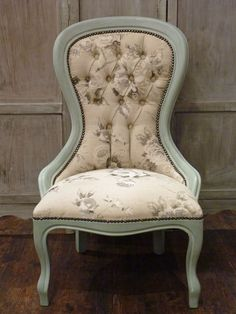 Bedroom chair. #ChalkPaint mix & also re-upholstered using the gorgeous Annie Sloan Emmeline Grey fabric . . .