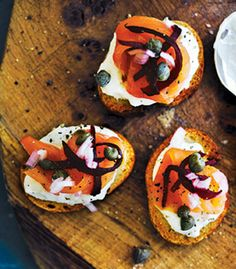 These smoked salmon tartare toasts are packed with delicious textures and elegant flavours.