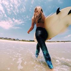 Love that surf hair look but don't surf every day? Even if you're a regular surfer it's nice to have some product to put in your hair to give it some body and bounce. The ocean salt definitely has a