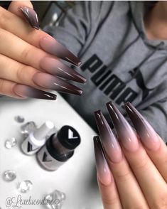 Semi-permanent varnish, false nails, patches: which manicure to choose? - My Nails Nail Swag, Perfect Nails, Gorgeous Nails, Dope Nails, My Nails, Best Acrylic Nails, Girls Nails, Crystal Nails, Clear Nails