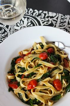 Easy Tomato and Spinach Tagliatelle for Two // Fork in the Kitchen // forkinthekitchen.com
