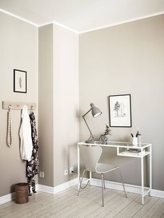 wall colour Home Office Space, Home Office Decor, Home Decor, Room Colors, Wall Colors, Interior Decorating, Interior Design, Beige Walls, Living Room Paint