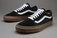 117ebf9c69 Vans Old Skool (Gumsole) - Black   Medium Gum