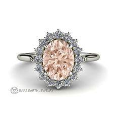 Hey, ho trovato questa fantastica inserzione di Etsy su https://www.etsy.com/it/listing/178655692/morganite-ring-diamond-halo-engagement