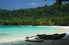 More of why I want to go back- Champagne Beach, Vanuatu. Most Beautiful Beaches, Beautiful Places, The Places Youll Go, Places To See, Champagne Beach, Como Italy, Holiday Places, Beaches In The World, Vanuatu